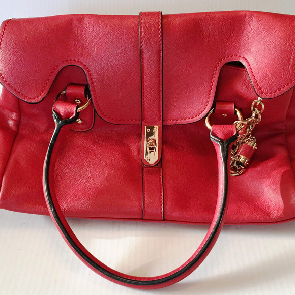 Melie Bianco Red Shoulder Bag Purse. M 5b3f8a7e035cf17621069157 5c51e487bc2ad
